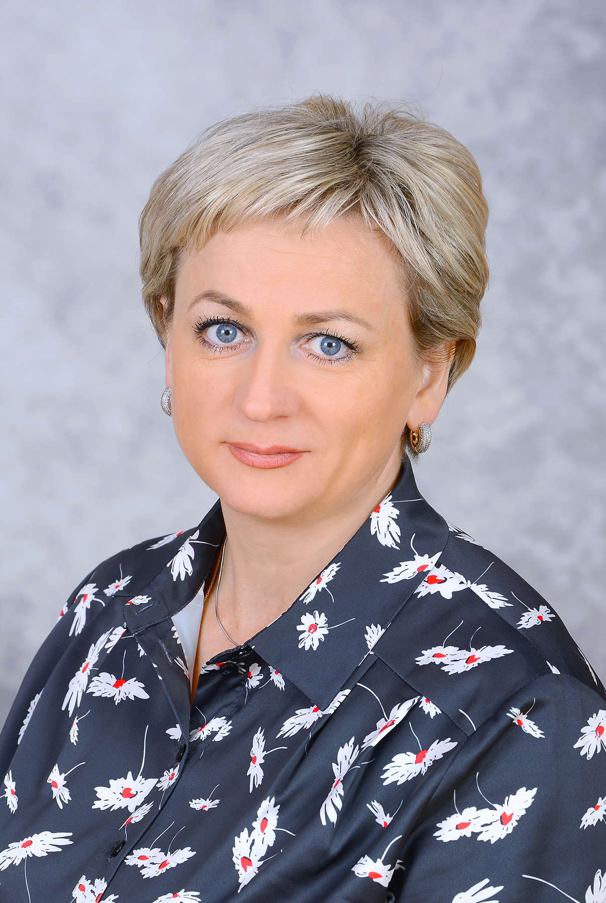 Заместитель директора по УВР, учитель химии, Ефимова Елена Вячеславовна